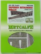 Metcalfe PO249 Stone style tapered retaining walls